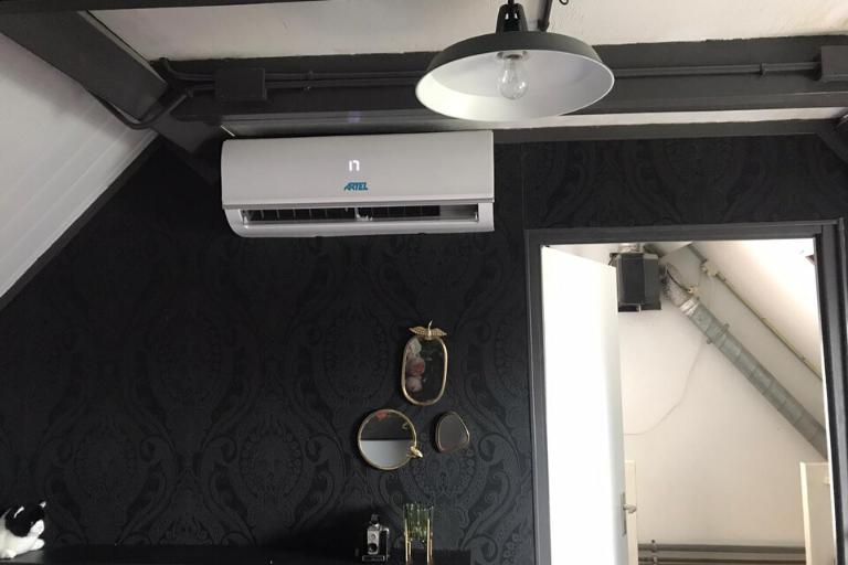 Airco op zolder: mobiele airco versus vaste wandairco